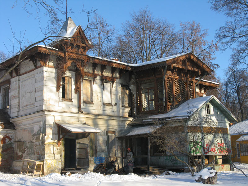 Главный дом усадьбы Щапово